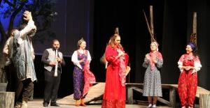 Bursa Devlet Tiyatrosu sanatçıları Kayseri'de