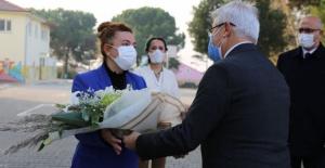 Nilüfer Belediye Başkanı Erdem'den öğretmenlere anlamlı armağan