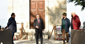 bTürkoğlu#039;ndan Alinur Aktaş#039;a.../b
