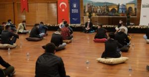 Bursa Büyükşehir Belediye Başkanı Aktaş gençlerle buluştu