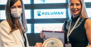 Bursa DOSABSİAD Başkanı Çevikel, Yılın En Başarılı STK Kadın Başkanı Ödülü'nü aldı