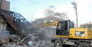 Osmangazi'de 81 eski bina yıkıldı