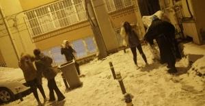 bBursa#039;da kar coşkusu yaşandı!/b