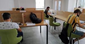 Bursa'da pandemiye rağmen kütüphaneler boş kalmadı
