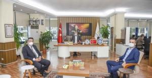 Karacabey Belediye Başkanı Özkan, sağlık çalışanlarına teşekkür etti
