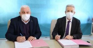 Nilüfer Belediye Başkanı Erdem pazarcılarla protokol imzaladı