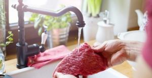 Yıkanan et tüketicinin sağlığını tehdit ediyor!