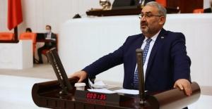 """Milletvekili Halil Etyemez; 'Allaha şükürler olsun """"Bin yıl sürecek"""" denilen 28 Şubat darbesi, 3 Kasım 2002 seçimleriyle tarih oldu.'"""
