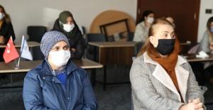 Çalışanlar alzheimer hastalığı hakkında bilgilendirildi