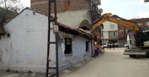 Metruk binalar huzur ve güvenlik için...