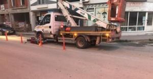 Bursa'da kamyonet motosikle ile çarpıştı