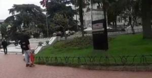 Bursa'da Atatürk heykeline keserle zarar vermeye çalışan kişi gözaltına alındı