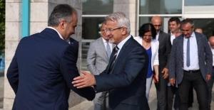 GAZETECİ NECMİ İNCE AK PARTİLİ...