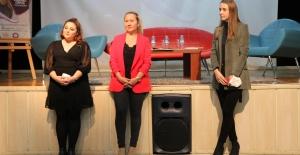 Genç İletişimciler Bursa Halkla İlişkiler Derneği Başkanı Cansel Oruç'u Ağırladı