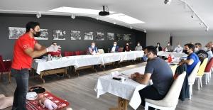 Osmangazi Personeline Kızılay'dan İlk Yardım Sertifikası