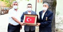 Bursa'da Kıbrıs Gazisi'ne vefa ziyareti