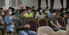 Bursa'da uluslararası lisenin ilk mezunlarından duygusal veda