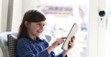 İznik'te uzaktan eğitime tablet desteği