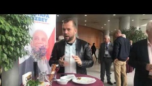 Mustafa Bozbey için düzenlenen tanıtım programındayız.
